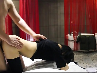 A real couple from China on a homemade sex video. [20 mins].
