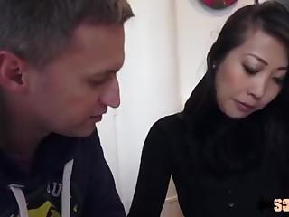 Bao Tran, bombe vietnamienne spécialiste de l'anal onslaught - Sodomie a Repetition