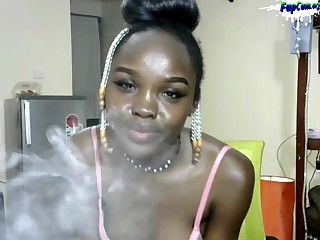 Dark Black African Amateur Porn Teenie Twerking naked on Cam