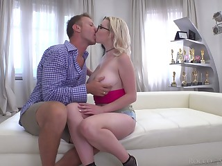 Aspiring Russian whore Mery Monro gives titjob and enjoys hardcore anal