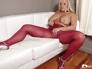 mom in pantyhose displays the brush long sexy legs
