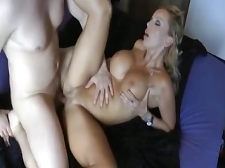 We Love 3Some Humping - amateurs porn
