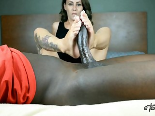 Midget Latina vs big deathly dick footjob Cum Load
